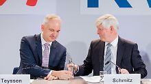 Johannes Teyssen (links) und Rolf Martin Schmitz sehen nur Vorteile durch ihren Coup.