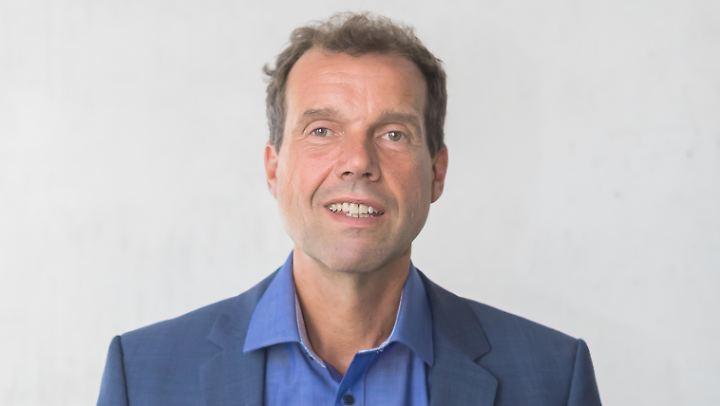 Holger Lengfeld ist Professor für Soziologie an der Universität Leipzig. Seine thematischen Schwerpunkte sind unter anderem die Themen Soziale Schichtung, Ungleichheit und soziale Gerechtigkeit.