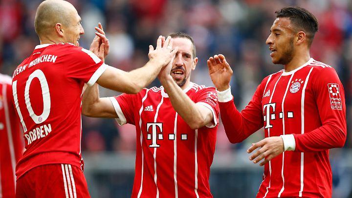 Der FC Bayern denkt bereits an die Zeit nach seinen Superstars Arjen Robben und Franck Ribéry.