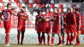 Sportlich schlecht, finanziell noch schlechter aufgestellt: Rot-Weiß Erfurt stellt einen Insolvenzantrag.