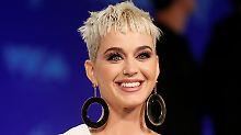 Übergriffiger Popstar: Katy Perry verschreckt Kandidaten mit Kuss