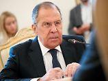 Lawrow spricht von Ausweisungen: Russland plant diplomatischen Gegenschlag