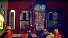 Fahrer wohl betrunken: Trams kollidieren an Kölner Haltestelle