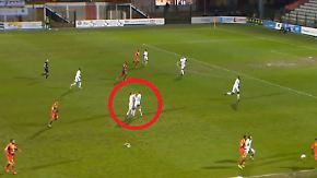 Doppel-Rot für Teamkollegen: Auxerre-Spieler prügeln sich auf dem Platz