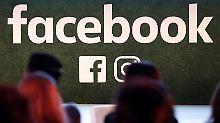 Datenmissbrauch bei Facebook: Politik verlangt Antworten von Zuckerberg