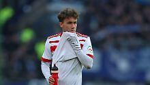 Niedergeschlagen: Hamburgs Gian-Luca Waldschmidt nach der Niederlage gegen Hertha BSC.