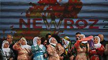 Trotz Wut und Niedergeschlagenheit versuchen die Kurden Newroz zu feiern.