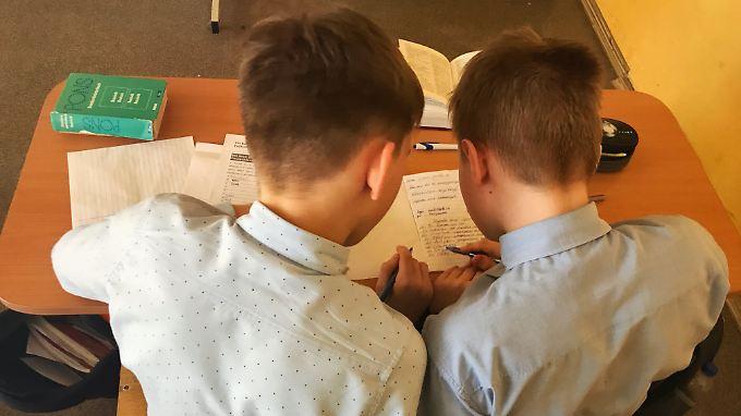 Russische Kinder lernen im WM-Jahr bei einem besonderen Projekt die deutsche Sprache.