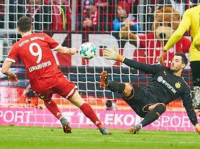 Lewandowskis Führungstor zählt.
