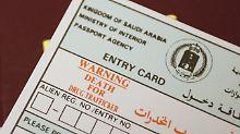 Auf einem Einreiseformular weist das saudische Königreich darauf hin, dass auch Drogenschmuggel die Todesstrafe steht.