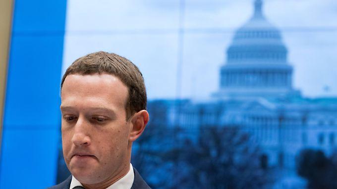 Die Ausschuss-Mitglieder haben Zuckerberg am Mittwoch härter befragt, oft wusste der Facebook-Chef keine konkrete Antwort.