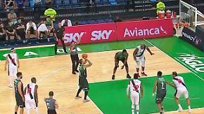 Basketball für die Geschichtsbücher: Genialer Freiwurf-Trick dreht Spiel in letzter Sekunde