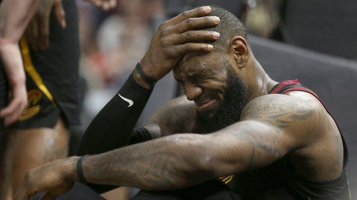 Bittere Niederlage für LeBron und seine Cavs.