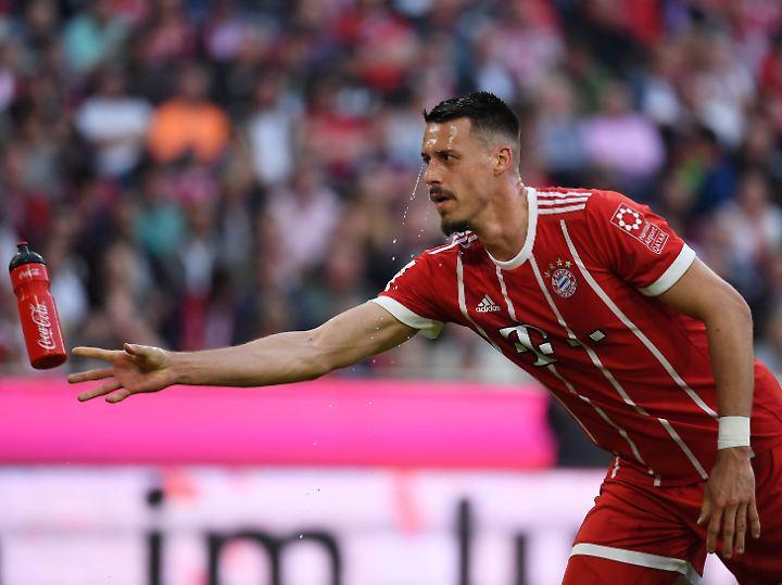 """""""Ihr fragt den Hummels und Müller auch nicht jede Woche, ob sie zur WM mitfahren"""": Sandro Wagner."""