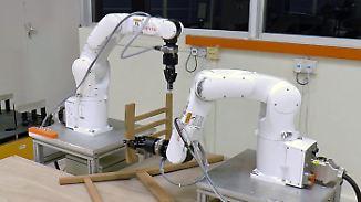 Künstliche Intelligenz als Baumeister: Roboter setzen Ikea-Stuhl zusammen