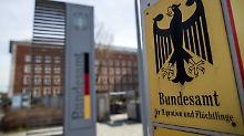 2000 auffällige Asylanträge: Bamf-Skandal weitet sich aus