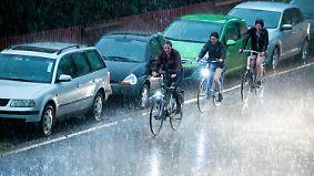 Abkühlung zum Wochenstart: Unwetter verlagern sich in den Süden