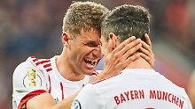 Vielleicht schießt auch Thomas Müller einfach ein Tor. Oder Robert Lewandowski.