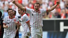 Sieg in Dresden reicht Fortuna: Düsseldorf rüstet für die Aufstiegsparty