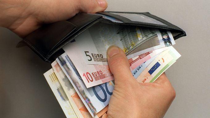 Derzeit liegt der Mindestlohn bei 8,84 Euro pro Stunde. das reicht in vielen Ballungsgebieten nicht.