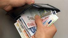 Weniger als 2000 Euro im Monat: Viele Vollzeitjobs reichen zum Leben nicht