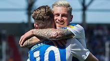 Sie haben allen Grund zur Freude: Der Kieler Traum vom Durchmarsch in die 1. Liga lebt.
