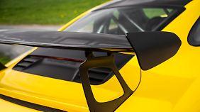 Der RS generiert mit Hilfe seines Heckspoilers bei 200 km/h 144 Kilogramm Abtrieb.