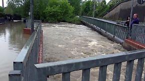 Schwere Unwetter in der Region Aachen: Wassermassen reißen Autos durch die Straßen