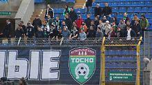 Sage und Schreibe 28 Stunden sind die Fans vom FC Tosno zum Pokalfinale in Wolgograd unterwegs.