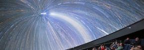 Eine Supernova über München: Spektakuläres Planetarium lädt ins Weltall ein