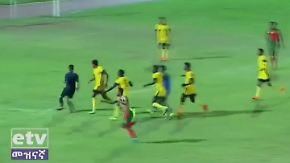 Kaum zu glauben, aber wahr: Fußballteam jagt Schiedsrichter über den Platz