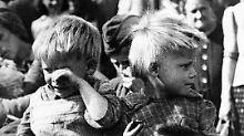Selbst wer am Kriegsende noch klein war, trägt die Erinnerungen und Prägungen in sich.