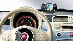 Ordentlich Retro gibt's im Innenraum des Fiat 500.