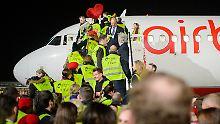 Halbes Jahr nach Insolvenz: 3000 Ex-Air-Berliner haben neuen Job