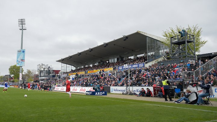 Vielleicht doch bald erstklassig: das Holstein-Stadion.