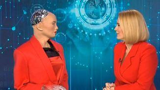 Künstliche Intelligenz auf Welttournee: Roboter Sophia witzelt und schwärmt von CR7