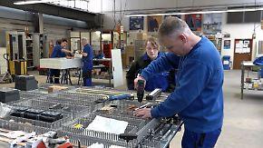 """""""Könnten sofort drei, vier Leute einstellen"""": Handwerkermangel bremst Wirtschaftsboom"""