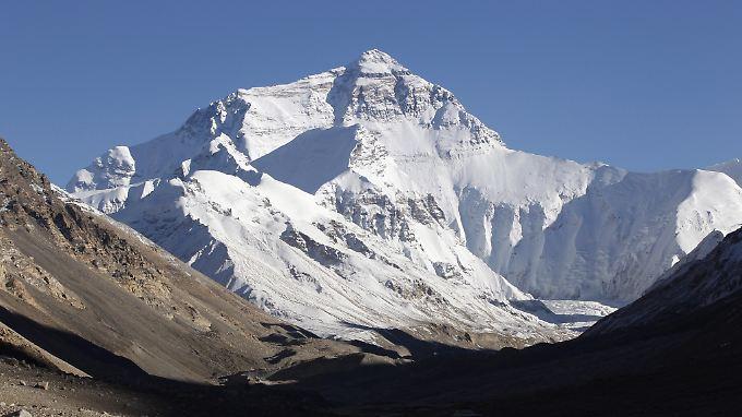 Die höchste Erhebung der Erde, hier von der tibetischen Seite aus: Lhakpa Sherpa ist die Frau mit den meisten Everest-Besteigungen - dabei arbeitet sie eigentlich in einem Supermarkt.