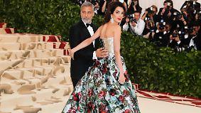 Promi-News des Tages: Amal Clooneys Kleid sorgt für Met-Gala-Zoff