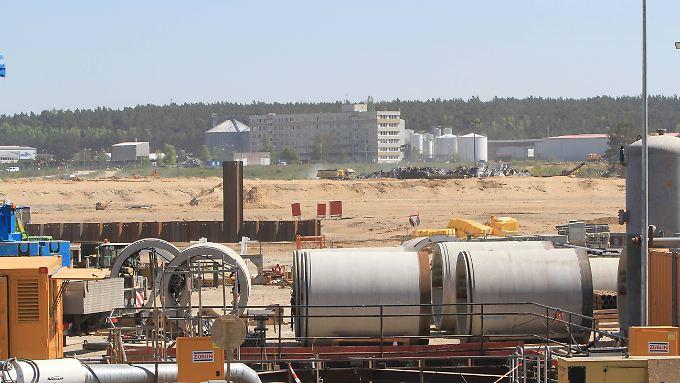 Blick auf die im Bau befindliche zweite Anlandestation für die Ostsee-Pipeline bei Lubmin (Mecklenburg-Vorpommern).