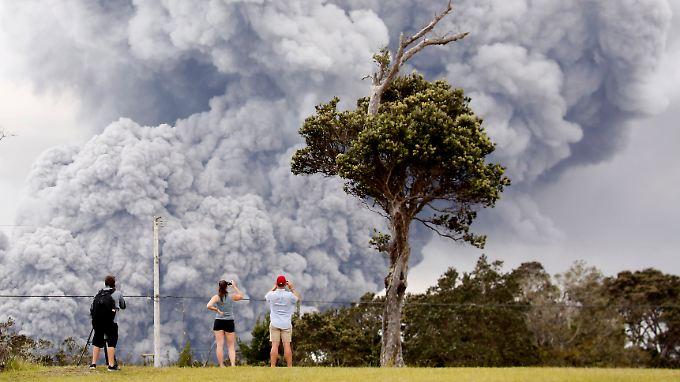 Geologen schätzten die Höhe der Aschewolke auf bis zu 10.000 Meter.