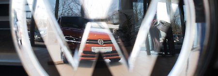 Umrüsten auf neuen Abgas-Test: Volkswagen erwartet Produktionsengpässe