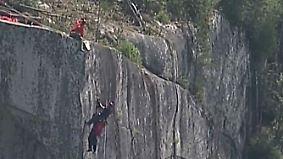 Kaum zu glauben, aber wahr: Gleitschirmflieger erlebt Schockmoment in den Bergen