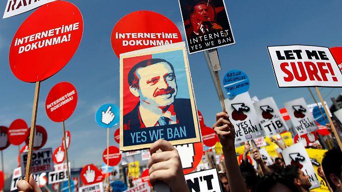 Protest gegen die Netzpolitik Erdogans gab es schon zu Beginn des Jahrzehnts. Doch die Lage wurde immer dramatischer.