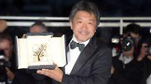 """Kore-Eda Hirokazu erhielt die Auszeichnung für seinen Film """"Shoplifters""""."""