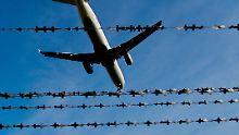 Direkt aus dem Gefängnis: NRW schiebt Islamist nach Tunesien ab