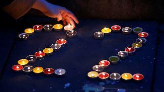 Rührende Worte von Ariana Grande: Großbritannien gedenkt der Terroropfer von Manchester