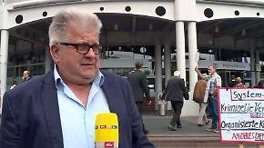 """Stimmen der Deutsche-Bank-Aktionäre: """"Ich würde mich schämen"""""""
