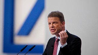 Sewing plant Neuausrichtung: Deutsche Bank baut mehr als 7000 Stellen ab