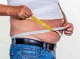 Bei Menschen mit Übergewicht: Bauchfett setzt fiesen Botenstoff ins Blut frei